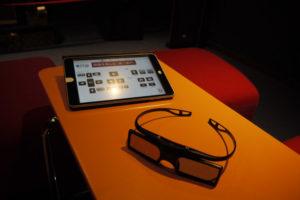 専用iPadと眼鏡